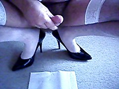 jerking off with high heels on (3)