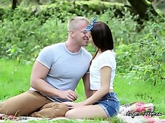 teen girlfriend strips down in the park for her boyfriend