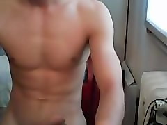 young italian fit guy jerking online cam4