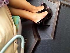french black legs in the bus jambes de black dans le bus
