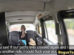 taxi babe arse fucked after toguing butthole