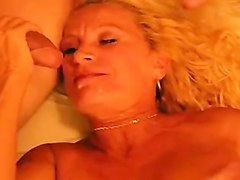 gender addicted wife gets double penetration