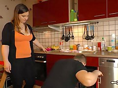 Hausfrau Ficken - Chubby tattooed German housewife enjoys hardcore fuck and facial