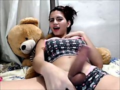 pretty latina fap on camera