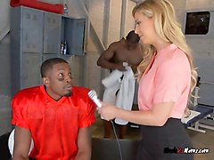 hot reporter cheri deville blows black atheletes