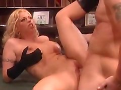 Chris Cannon Licks Brittney Skye's Pussy Before Fucking Her