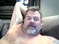 Dad Bear Wanks on Webcam