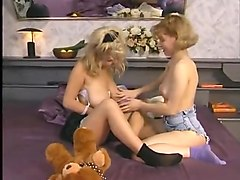 2 hot lesbian college girl playing