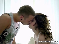 cheerleader arianna has hot foreplay with jock