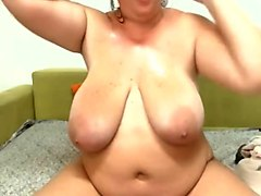 Chubby Big Titted Beauty Squirts