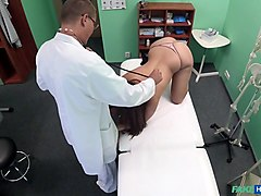 Cindy Loarn in Doctor Examines Patient with Cock - FakeHospital
