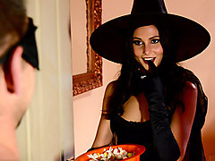 Ariana Marie & Johnny Castle in Dick Or Treat - Brazzers