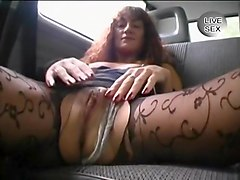 Exhibitionist Milf Masturbates On Train