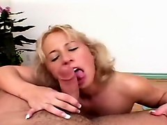 Georgia Peach Likes To Suck And Fuck Long Dicks