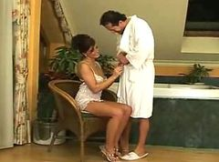 Brunette with naturaltits riding him in thebathroom