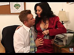 boss fucks her intern veronica avluv