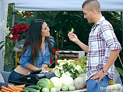 farmers wife eva lovia bangs in the market