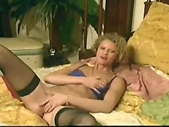 Horny Blonde Makes Herself Cum Loudly