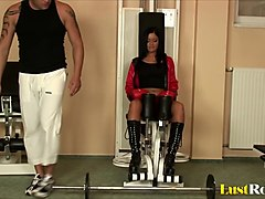 Female boxer Angelica Heart pleasing a hard pole