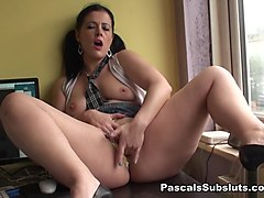 Montse in anyone outside can see her - PascalsSubSluts