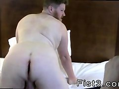fat american dude gets fisted in this hot session