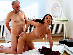 Nakita Star in Nakita Star gets her first taste of older cock and she fucking loves it! - OldGoesYoung