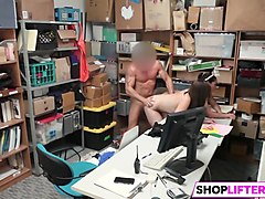 shoplifter peyton and sienna get fucked by the lp officer