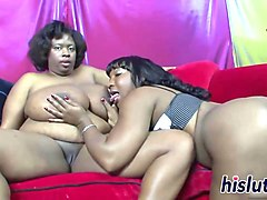 two chubby mommas lick their orgasmic cunts