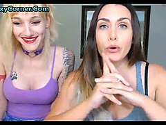 some lesbians love fucking on cam so much they need to do it on cam