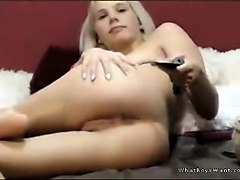 naturally busty blonde girl assplay on cam