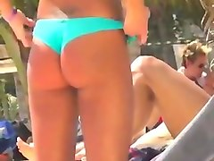 SPY Incredible Couple Brunette in nature's garb topless beach part1