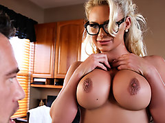 Phoenix Marie & Johnny Castle in Doctor Knows Best - Brazzers
