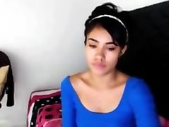 jovencita colombiana en su webcam