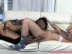 Tattooed lesbians seducing each others pussy