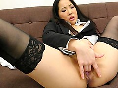 Ai Mizushima in Ai Mizushima gets bored in the office and ends up fingering herself - AviDolz