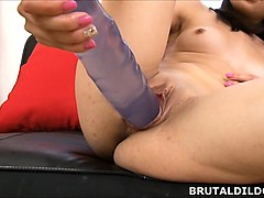 petite ashley woods makes her pussy cum from huge dildo