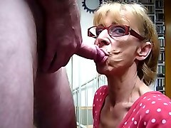 very old chick living nextdoor gives me good blowjob every time
