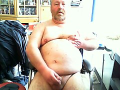 this chubby man enjoys jerking off on cam quite a bit