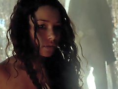 Black Sails S01E04 (2014) Louise Barnes and Jessica Parker Kennedy