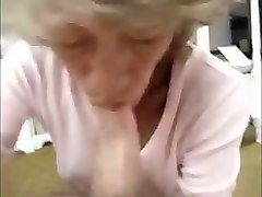 amateur granny with cute pretty face loves sucking my buddy