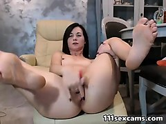 amateur brunette small tits milf fingering on webcam