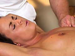 massage babe sucks dick while fingerfucked