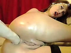chubby latina with big boobs toys her pussy