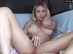 fit liz18 from filthy4u.com touching herself in front of web-cam