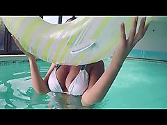 naked girl is swimming in the pool hottestteensoncam.com